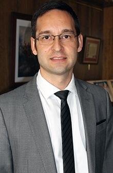 Andrés Serrador Pertegaz, abogado